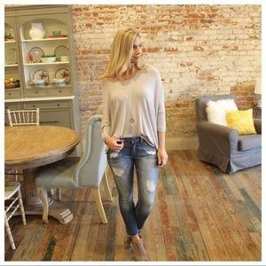 ✨LAST✨Medium Wash Distressed Skinny Jean